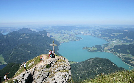 how to get to mondsee from salzburg