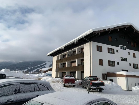 Cosy holiday apartment for sale in Flachau