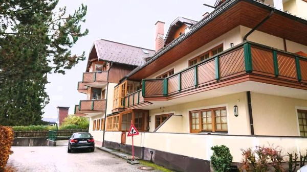 Luxury apartment for sale right by the Planai ski area