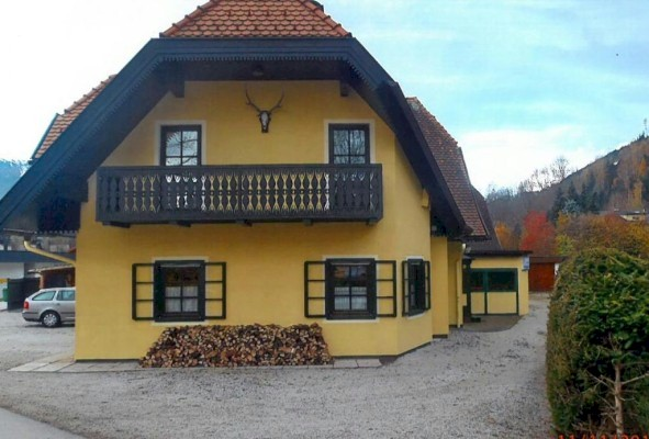 Three bedroom semi detached house in Schladming for sale.